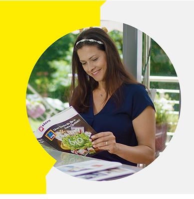 Leser des Lesezirkels im privaten Haushalt