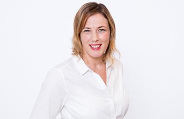 Ansprechpartner: Simone Sänger - stellvertretende Anzeigenleiterin Becker+Stahl GmbH