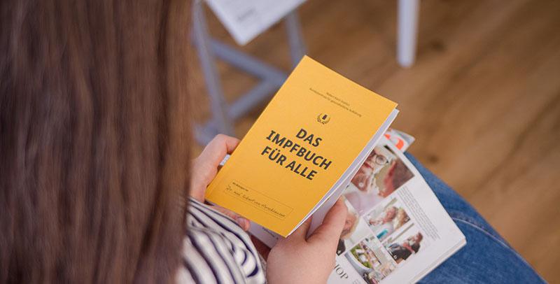 DAS IMPFBUCH FÜR ALLE verteilt über die Auslagestellen des Lesezirkels