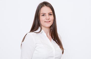 Ansprechpartner: Louisa Becker - Back-Office Becker+Stahl GmbH